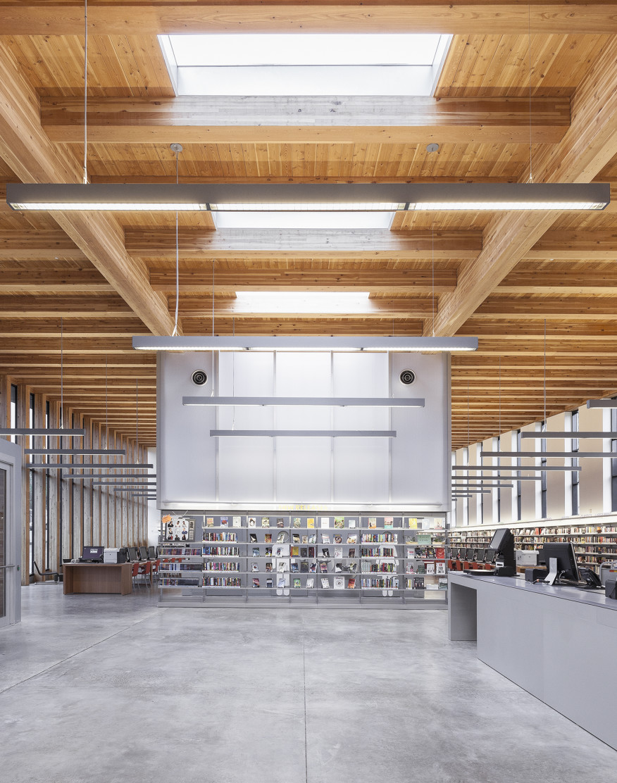 Staten Island Library Meets Linear Architectural Lighting Language Of Light The Intersection