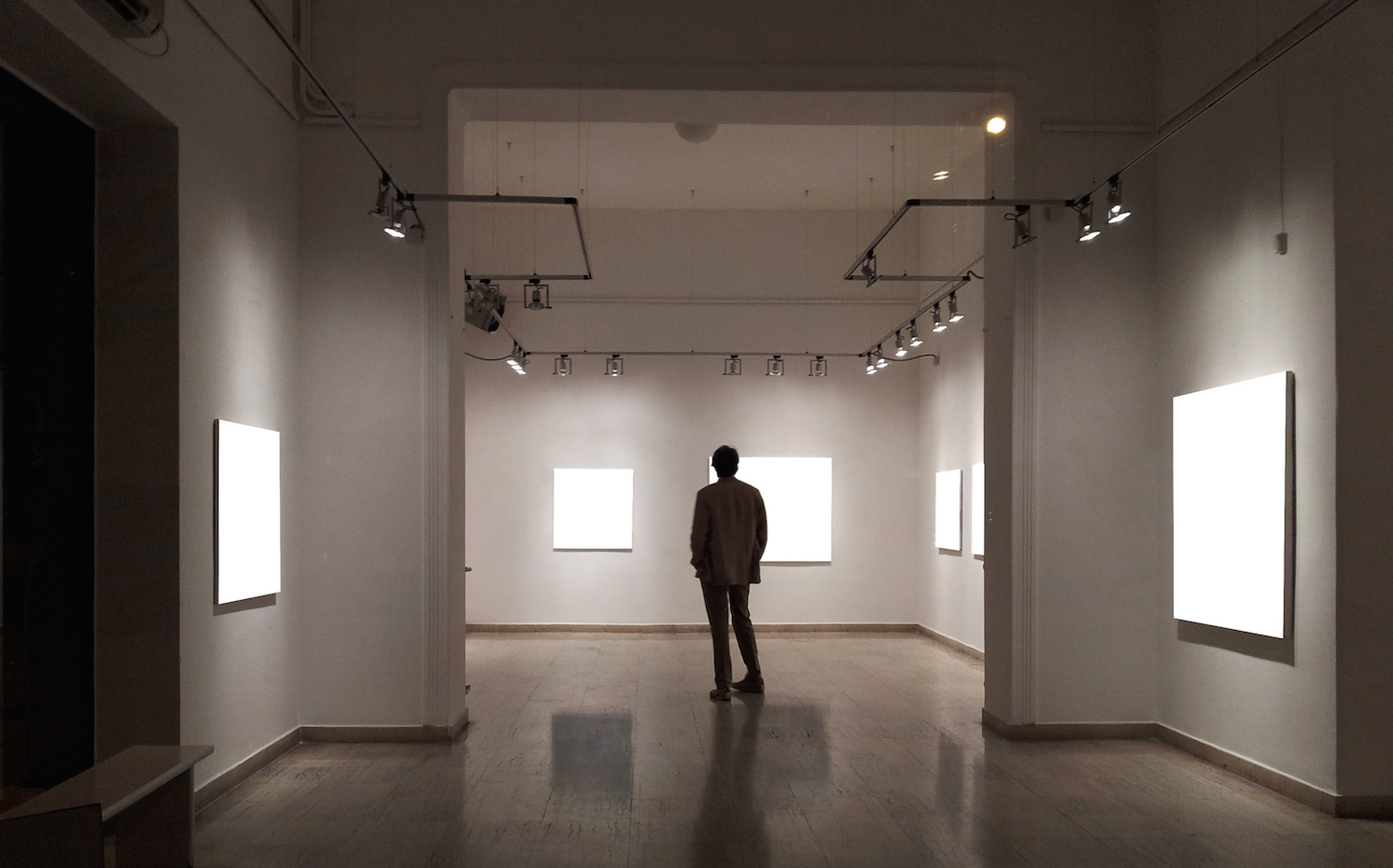 LED Lighting for Art Gallery Applications: What You Need ...