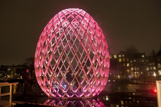Jan-Buchel-Energy-Efficient-Amsterdam-Light-Festival-2012-4-537x358
