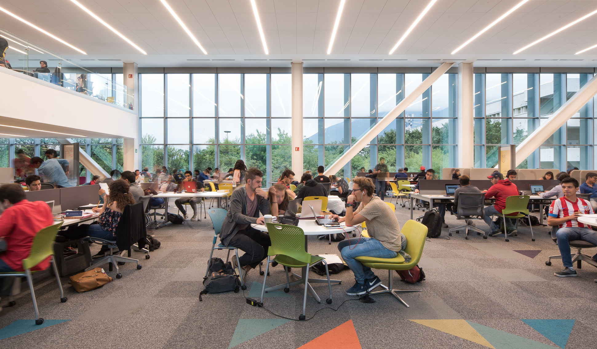 Biblioteca TEC Interior 4small
