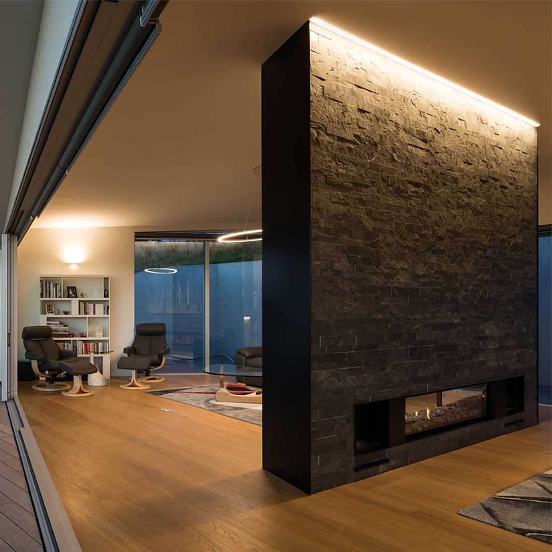 Image of: Alcon Lighting 12100 10 Pr Continuum 10 Architectural Led 1 Inch Trimless Linear Recessed Mount Direct Down Perimeter Light Strip